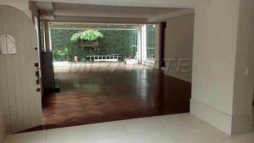 Sobrado à venda em Pacaembu, São Paulo - SP
