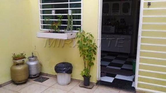 Sobrado à venda em Vila Nilo, São Paulo - SP